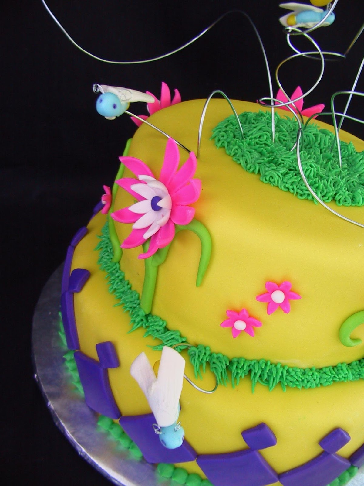 Fondant Firefly and Flower