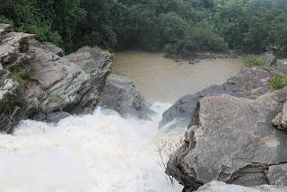 Pandav Falls, India  http://indiafoodtour.com
