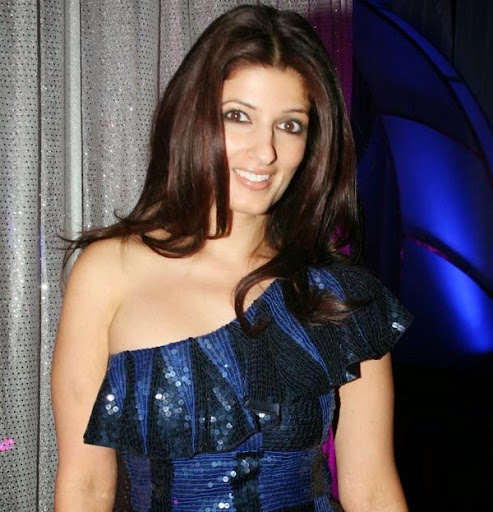 Twinkle Khanna Hot Sexy Bikini Photos
