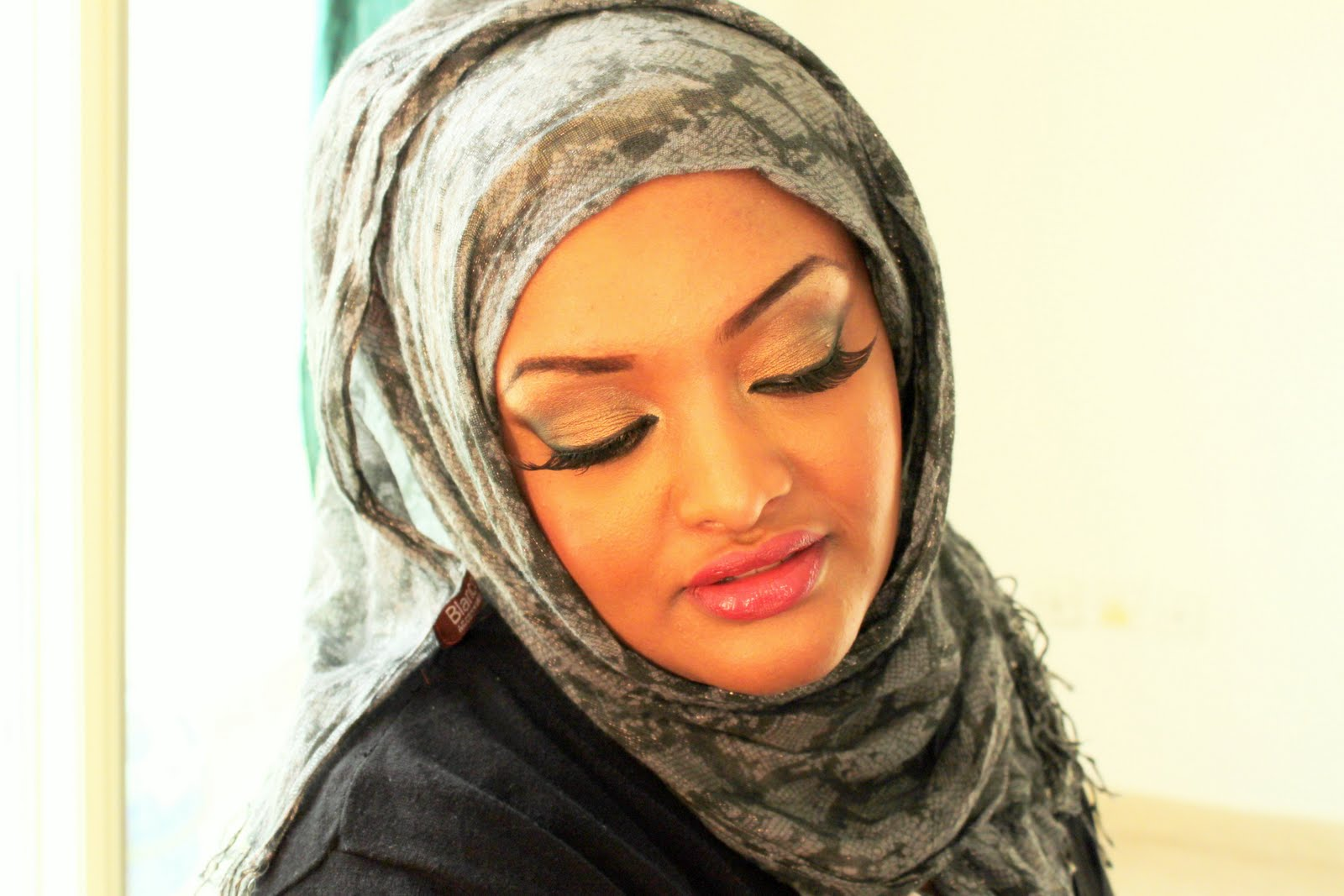 Golden Bridal Arabic Makeup