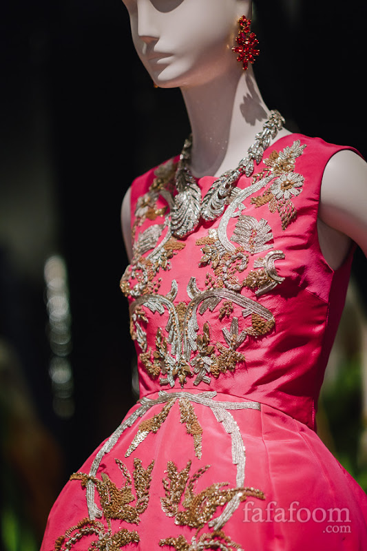 Details of Oscar de la Renta, Evening dress, Fall 2013.