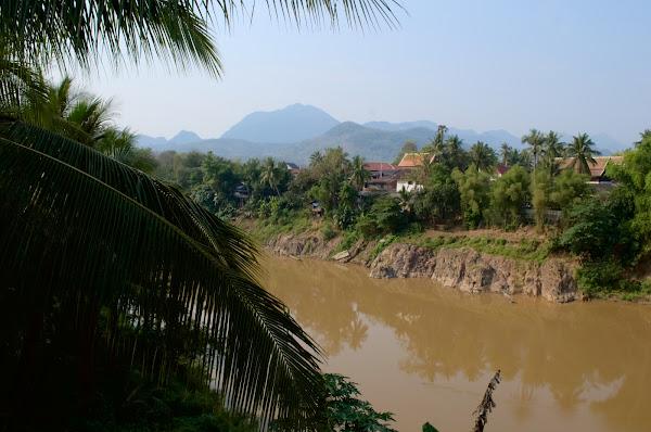 Река Кхан лаос