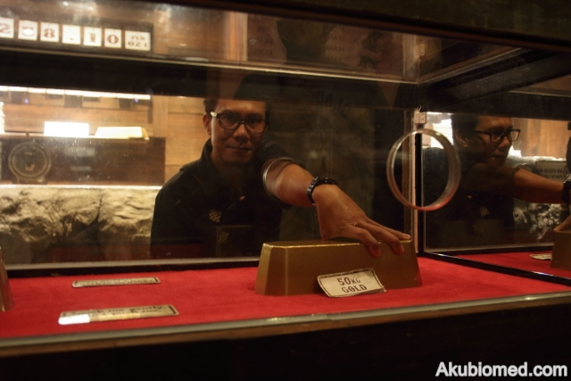 jongkong emas seberat 50kg
