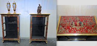 Две витрины в стиле Буль. 19-й век. Латунная инкрустация, бронзовый декор. 67/35/112 см. 6000 евро.
