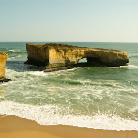 London Bridge by Israel  Padolina - Novices Only Landscapes ( ocean, rock formation, beach, landscape )