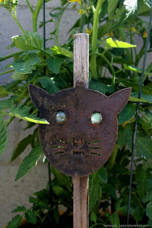 Kid Craft Scare Cat via homework (2)