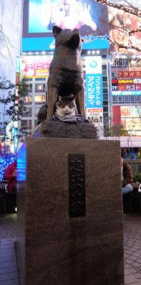 渋谷のハチ公像と可愛い2ショット