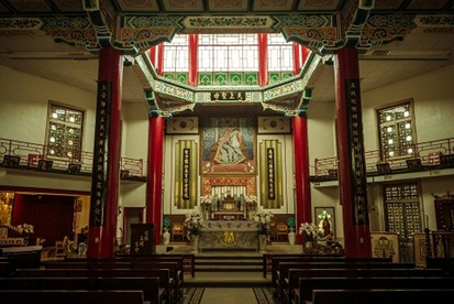 taiwan-tainan-catholic-church-interior-960x640