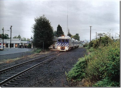 Lewis & Clark Explorer passing the St. Helens Depot on October 1, 2005