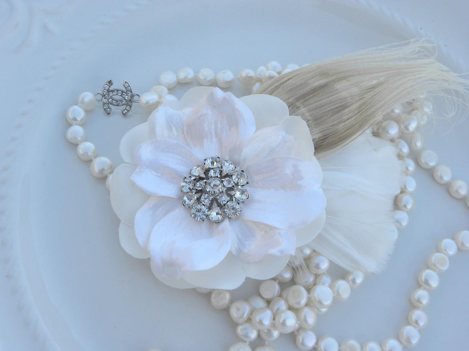Vintage Inspired Bridal Flower Hair Piece with Ivory Peacock Feather.