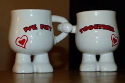 2 кружки с надписью We fit together