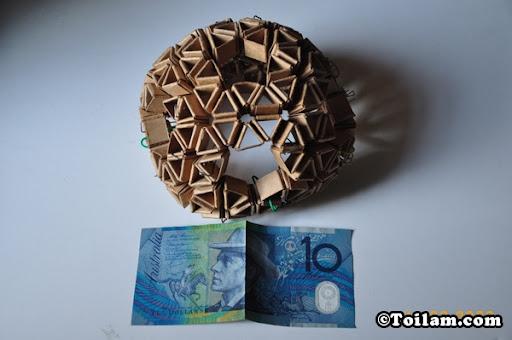Đèn tam giác được làm từ giấy thường