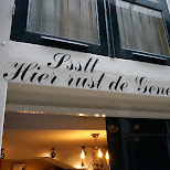 ssttt hier rust de jenever in Amsterdam, Noord Holland, Netherlands