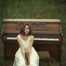 Woman and piano by Anthoni Lee - People Portraits of Women