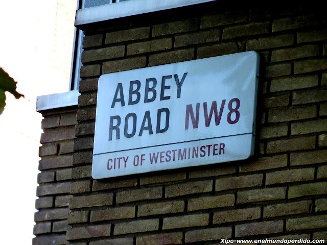cartel-abbey-road-londres.JPG