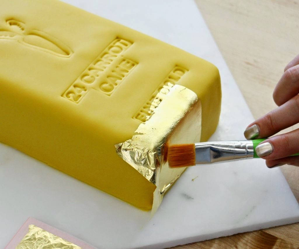 How To Put Edible Gold Leaf On A Cake