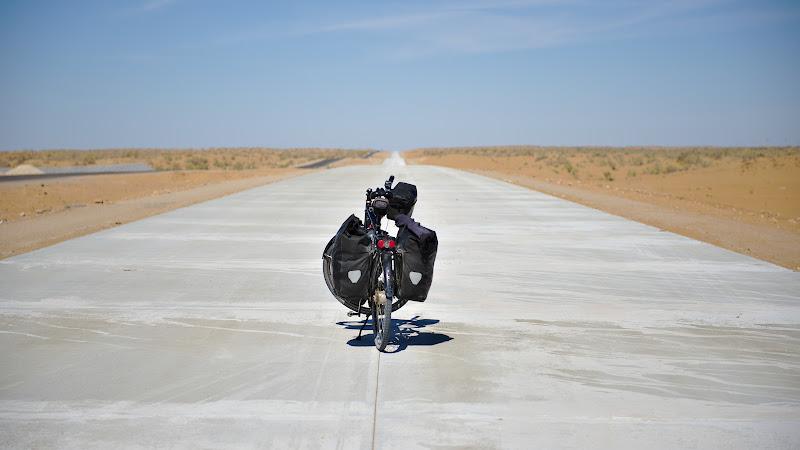 Ultimii kilometri pana in Khorazim, din nou cu asfalt perfect.