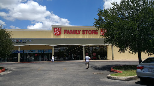 Thrift Store «The Salvation Army Family Store & Donation Center», reviews and photos