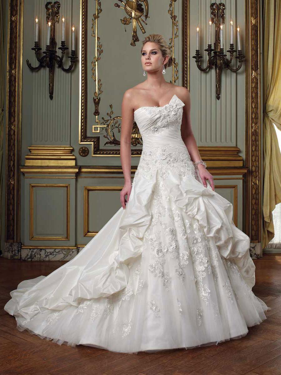 Wedding ball gown lace