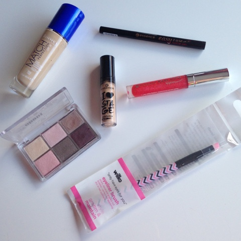 make up products from eye stuff to foundation