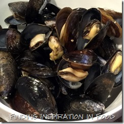 Basic Steamed Mussels with White Wine and Shallots