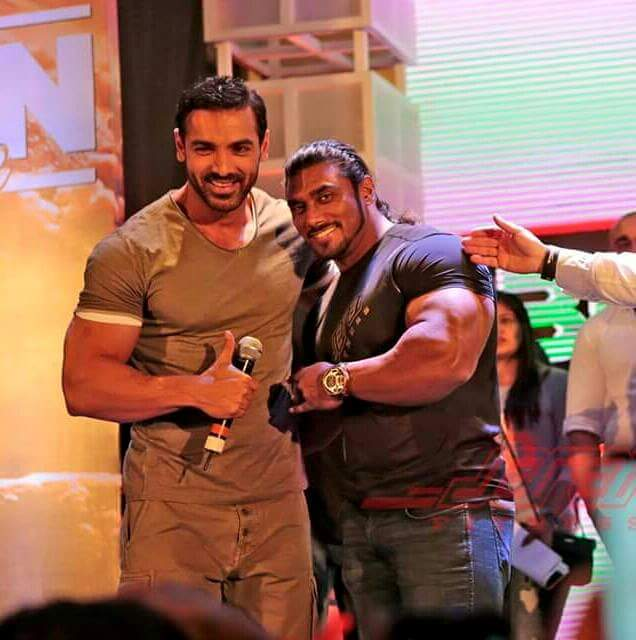 636 x 640 jpeg 45kB, Awsome body both of u john abraham and sangram ...