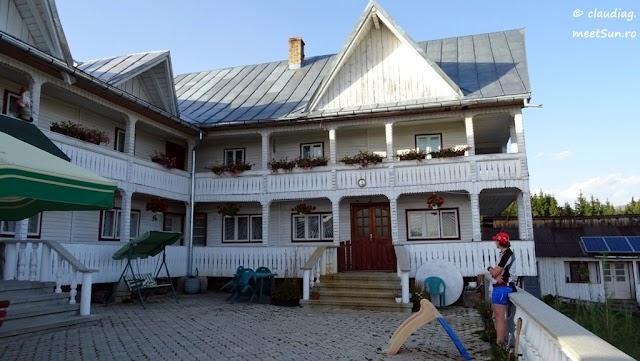 z1-2-Bucovina-Giumalau-884-w.jpg