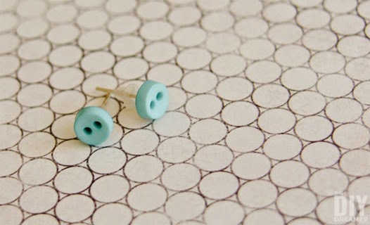 DIY-Button-Earrings