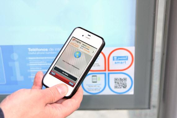 Tecnologías NFC y QR en 5.500 paradas de autobús de la EMT
