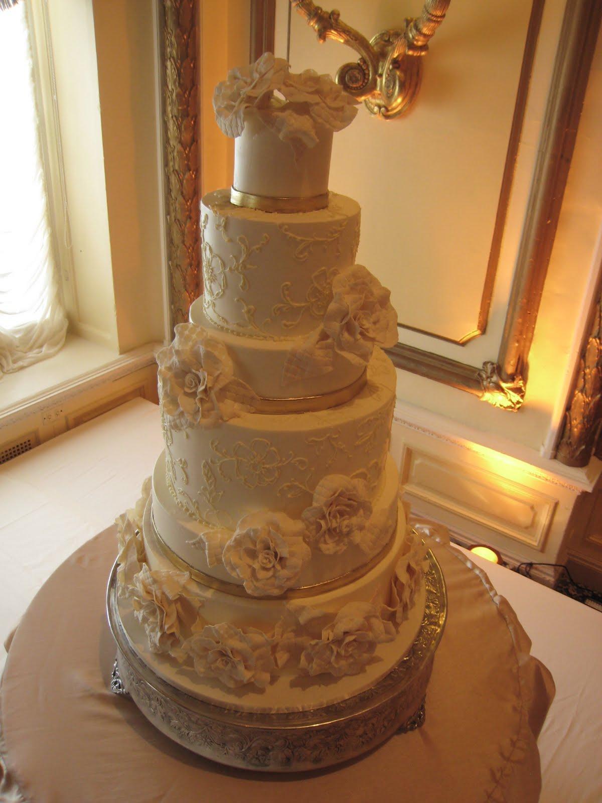 Elegant Wedding Cakes in