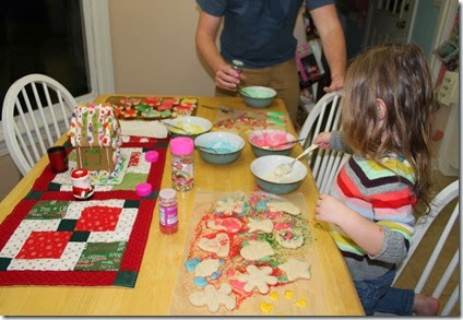 Zoey decorating Christmas cookies11