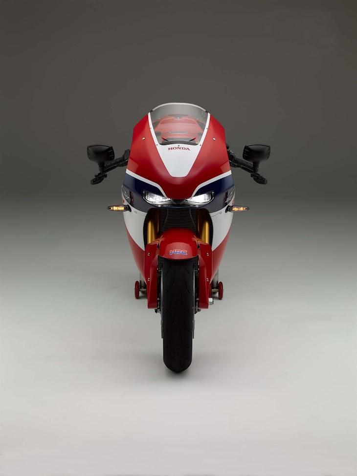 2016-Honda-RC213V-S-street-bike-25.jpg