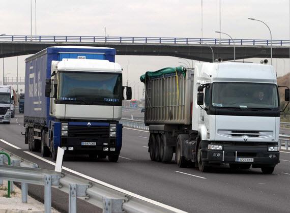 La AP-6 en el plan de desvío voluntario de vehículos pesados a las autopistas de peaje