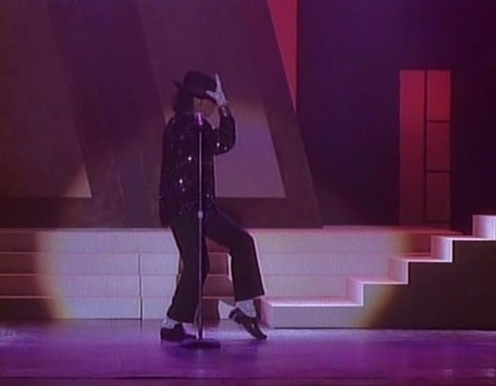 Michael Jackson - The Jacksons - An American Dream (1992 DVD 3of3).avi_snapshot_01.08.25_[2015.10.18_18.43.42]