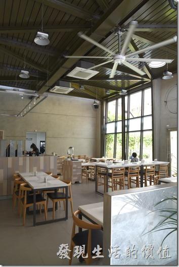 台南-森兜風早午餐,餐廳內一隅。