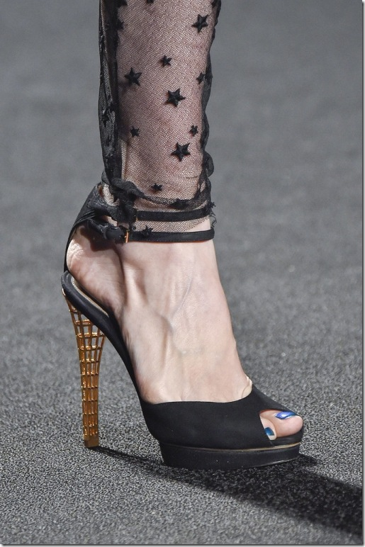 3_Chunky funky heels