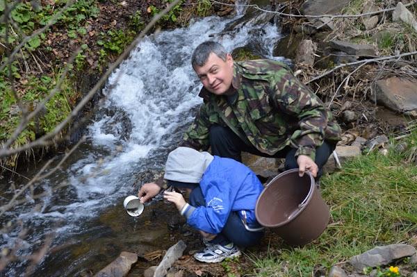 В Межгорском районе провели зарыбление водоемов мальком ручьевой форели 1.JPG