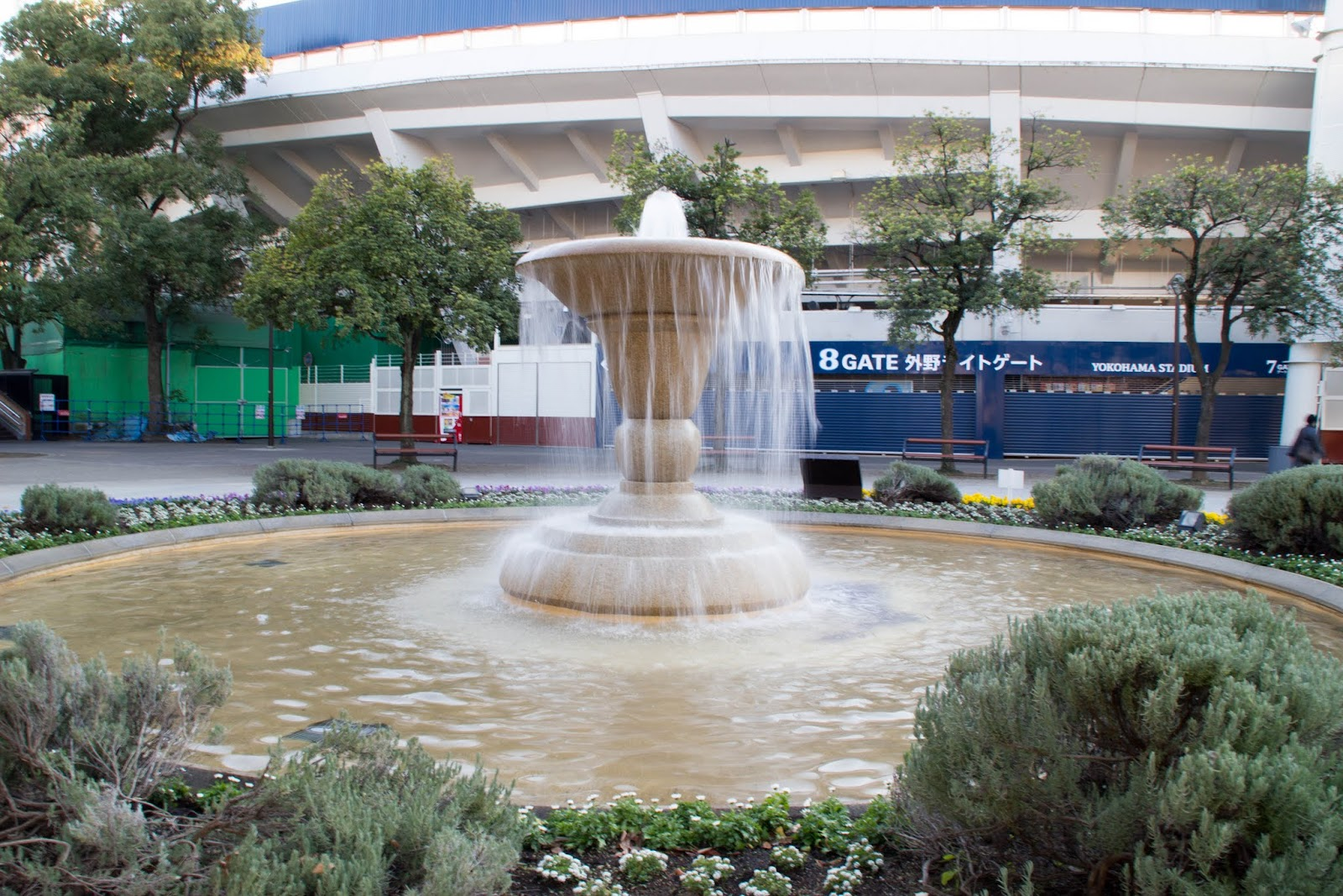 横浜スタジアム前の噴水