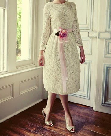 Vintage-Lace-Tea-Length-Wedding-Dress-With-Long-Sleeves