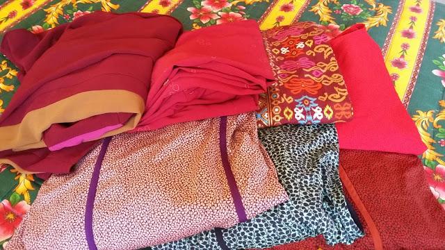 PASAR KEMBOJA DI PENDANG, TEMPAT SHOPPING MURAH-MURAH, tempat beli baju murah, baju kurung murah, jubah murah, tempat jual pakain murah