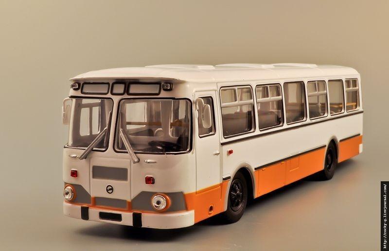 liaz-677-model-1