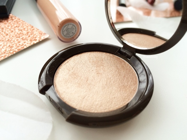 favourite highlighter becca shimmering skin perfector pressed opal swatch NC40