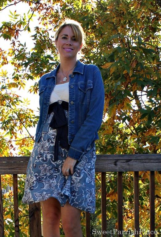 [Floral-dress-denim-jacket-grey-sandals-3%255B3%255D.jpg]