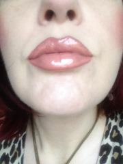 BUXOM Lip Polish in Sandy