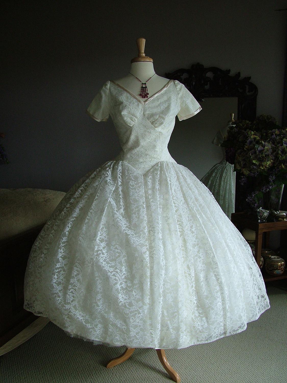 Vintage wedding dress bridal