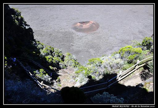 """Les escaliers du """"Pas de Bellecombe"""" menant au cratère """"Formica Léo"""" - ile de la Réunion 14"""
