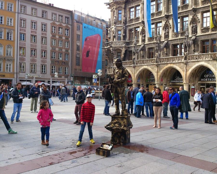 Живая скульптура в Мюнхене