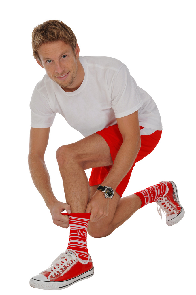 фотосессия Дженсона Баттона в носках Sport Relief