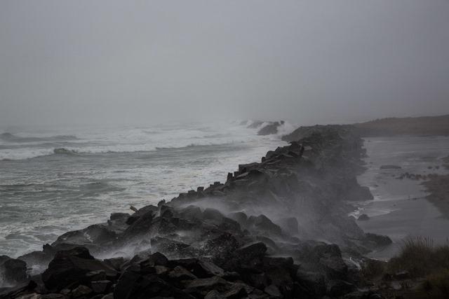 jetty-storm