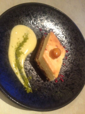 Pakhlava - cheesecake with baclava base
